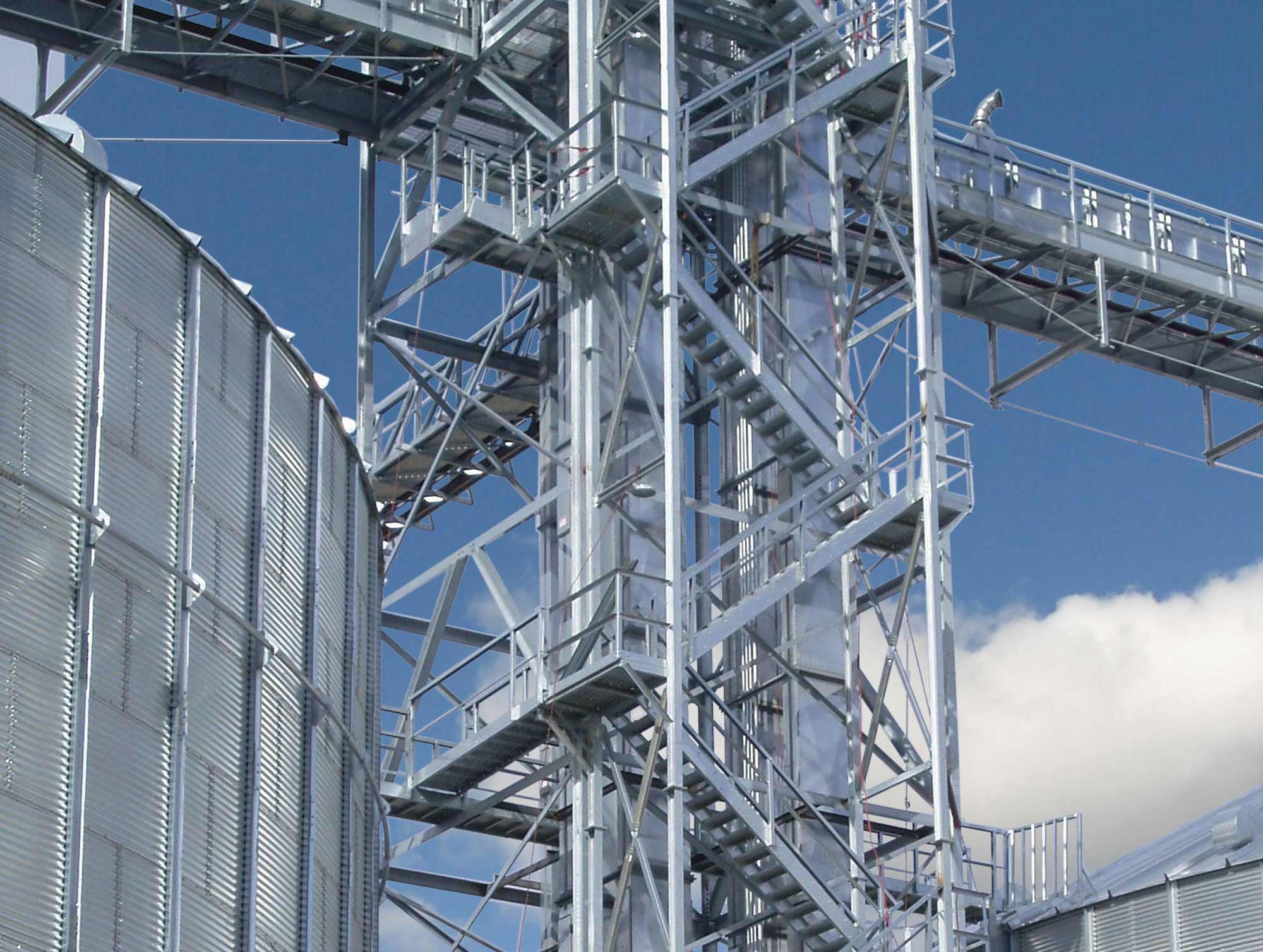 view of SCAFCO tower and catwalk next to a grain bin